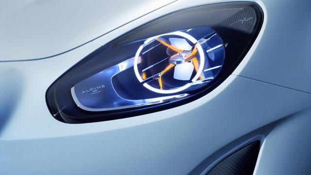 Alpine-Vision-2016-optique-avant-Renault