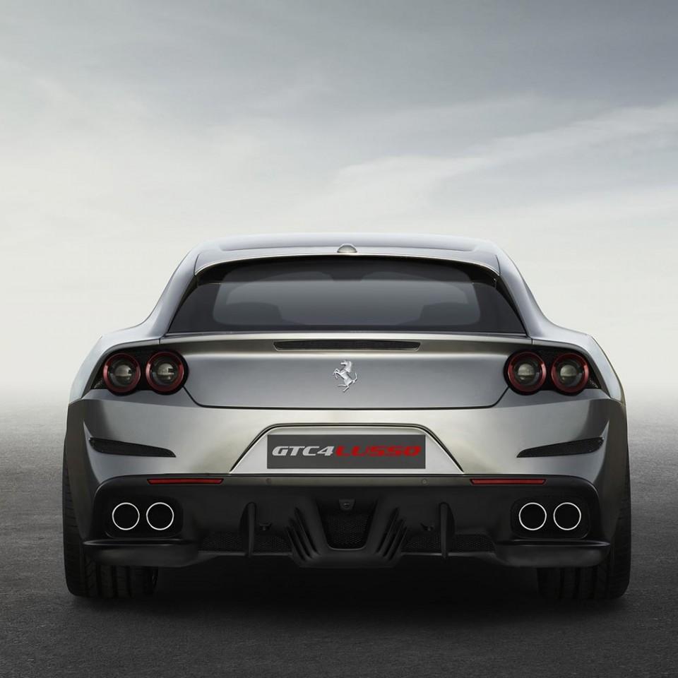 Ferrari-GTC4Lusso-2016-arriere