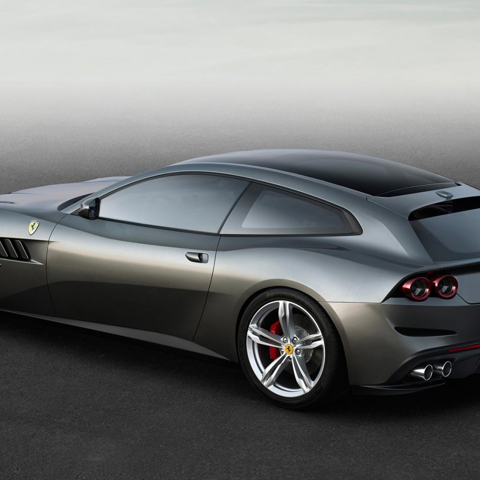 Ferrari-GTC4Lusso-2016-profil-arriere