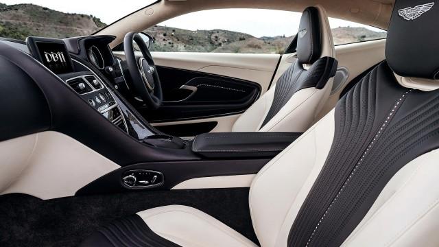 Aston-Martin-DB11-2016_9